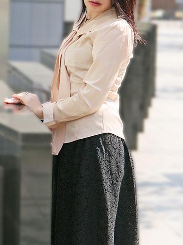 充希さん所属、ミセスラウンジ東京のホームページ