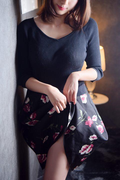 瀬咲 夕凪さん所属、TRIPLE CROWNのホームページ
