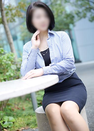 水野さん所属、昼顔妻 五反田店のホームページ